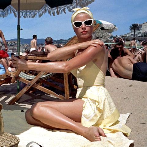 hbz-fashion-by-decades-1950-grace-kelly-thumb