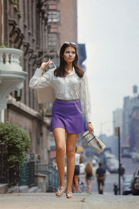 hbz-fashion-by-decades-1960-gettyimages-53368333