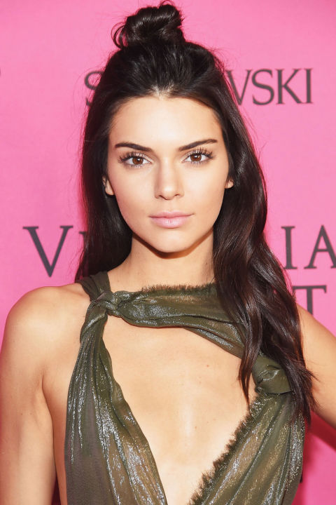 hbz-the-list-holiday-hair-kendall-jenner-getty