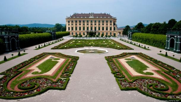 schonbrunn-palace-vienna-austria